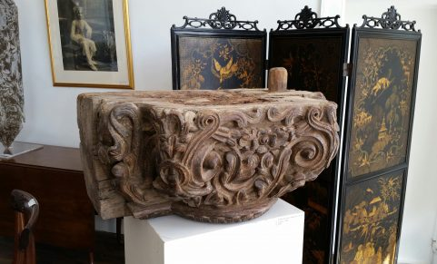 Colonial carved hardwood Column capital c. 1780