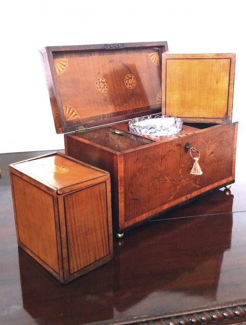 George III tea caddy attributed to John Cobb