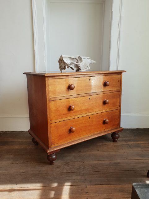 Tasmanian Colonial cedar chest of drawers c 1845