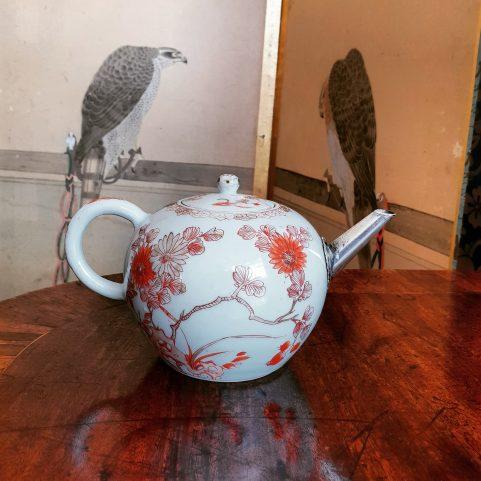 Japanese Arita Potteries teapot c 1700