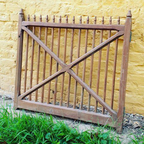 Colonial internal half gate c 1845