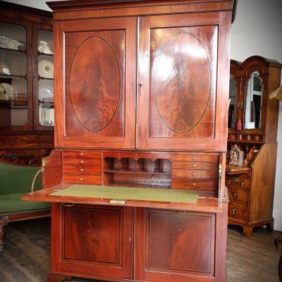 Secretaire Clothes Press c 1790