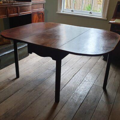 George III Mahogany Gateleg Table  c 1770